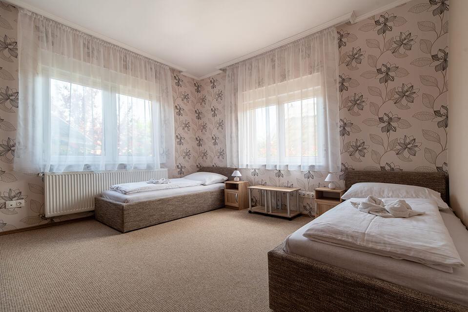 Balatongyörök szállás Villa Topáz 02