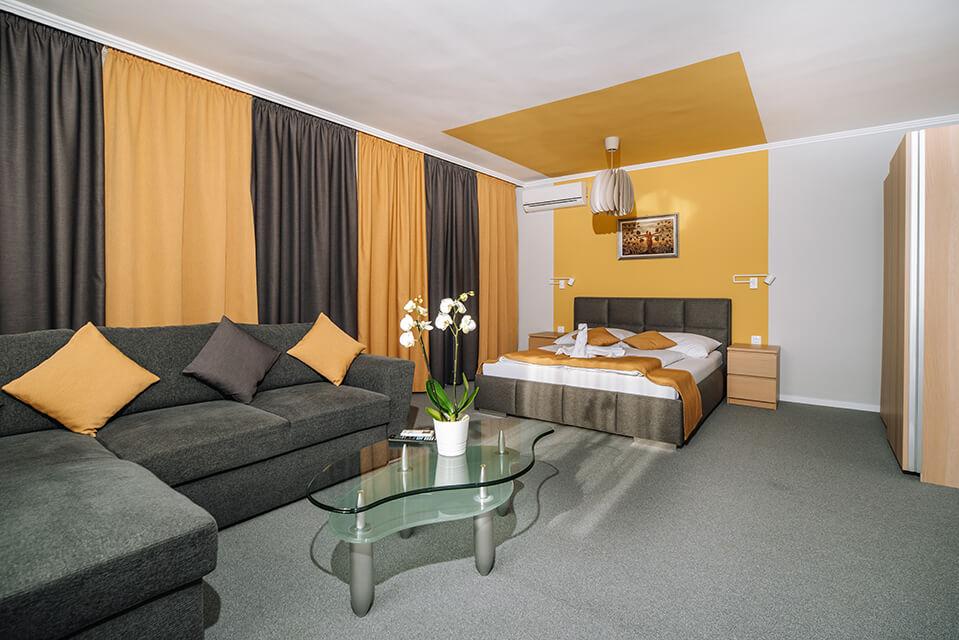 Balatongyörök szálláshely - Topáz Apartmanház képek 002